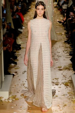 Valentino Spring 2016 Couture Look 61