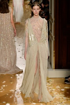 Valentino Spring 2016 Couture Look 62