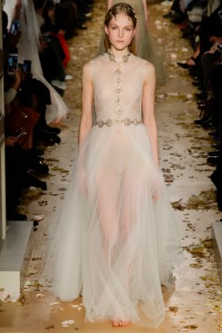 Valentino Spring 2016 Couture Look 64