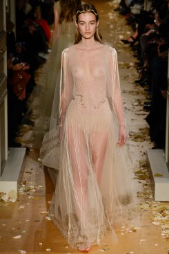 Valentino Spring 2016 Couture Look 66