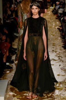Valentino Spring 2016 Couture Look 7