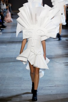 Viktor & Rolf Spring 2016 Couture Look 14