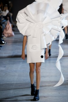 Viktor & Rolf Spring 2016 Couture Look 16