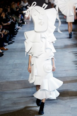Viktor & Rolf Spring 2016 Couture Look 18
