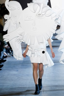 Viktor & Rolf Spring 2016 Couture Look 19