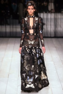 Alexander McQueen Fall 2016 Look 20