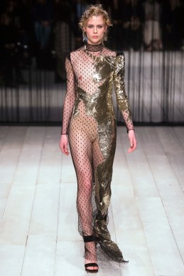 Alexander McQueen Fall 2016 Look 35