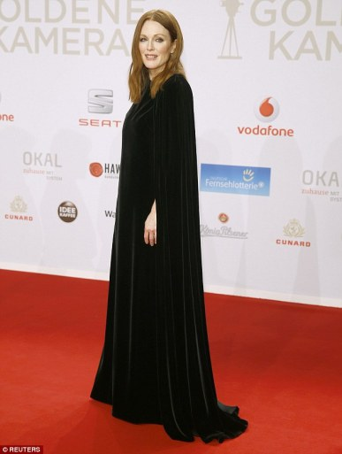 Julianne Moore in Valentino Fall 2015 Couture