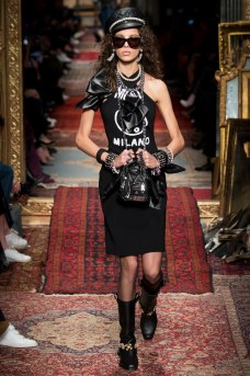 Moschino Fall 2016 Look 19
