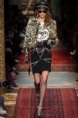 Moschino Fall 2016 Look 27