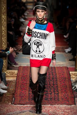 Moschino Fall 2016 Look 37