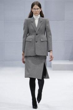 Balenciaga Fall 2016 Look 1