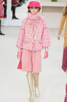 Chanel Fall 2016 Look 16