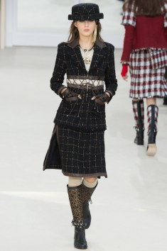 Chanel Fall 2016 Look 29