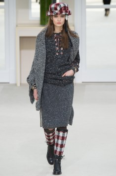 Chanel Fall 2016 Look 32