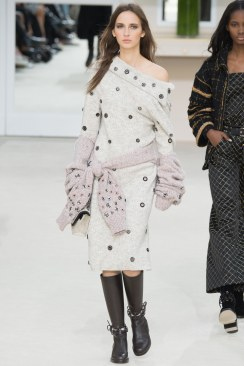 Chanel Fall 2016 Look 34