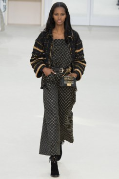 Chanel Fall 2016 Look 35