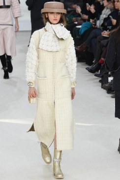 Chanel Fall 2016 Look 51