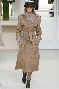 Chanel Fall 2016 Look 71