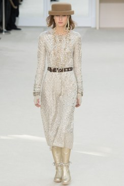 Chanel Fall 2016 Look 76
