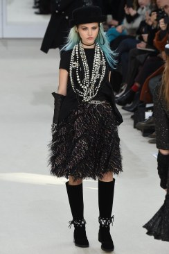 Chanel Fall 2016 Look 81