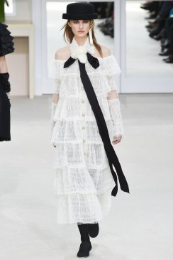 Chanel Fall 2016 Look 85