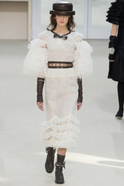 Chanel Fall 2016 Look 89