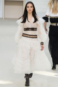 Chanel Fall 2016 Look 91
