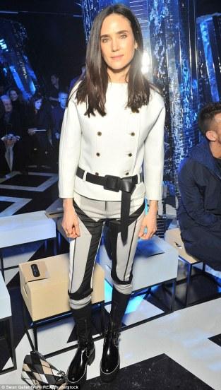 Jennifer Connelly in Louis Vuitton Pre-Fall 2016-1