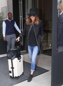 Yves Saint Laurent Coat: Jessica Alba vs. 李玟 -2016.3.12-