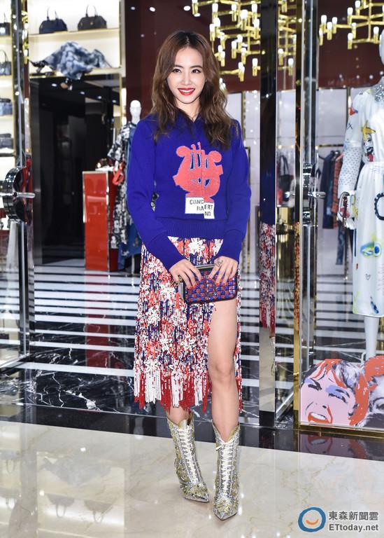 Jolin Tsai in Marc Jacobs Spring 2016
