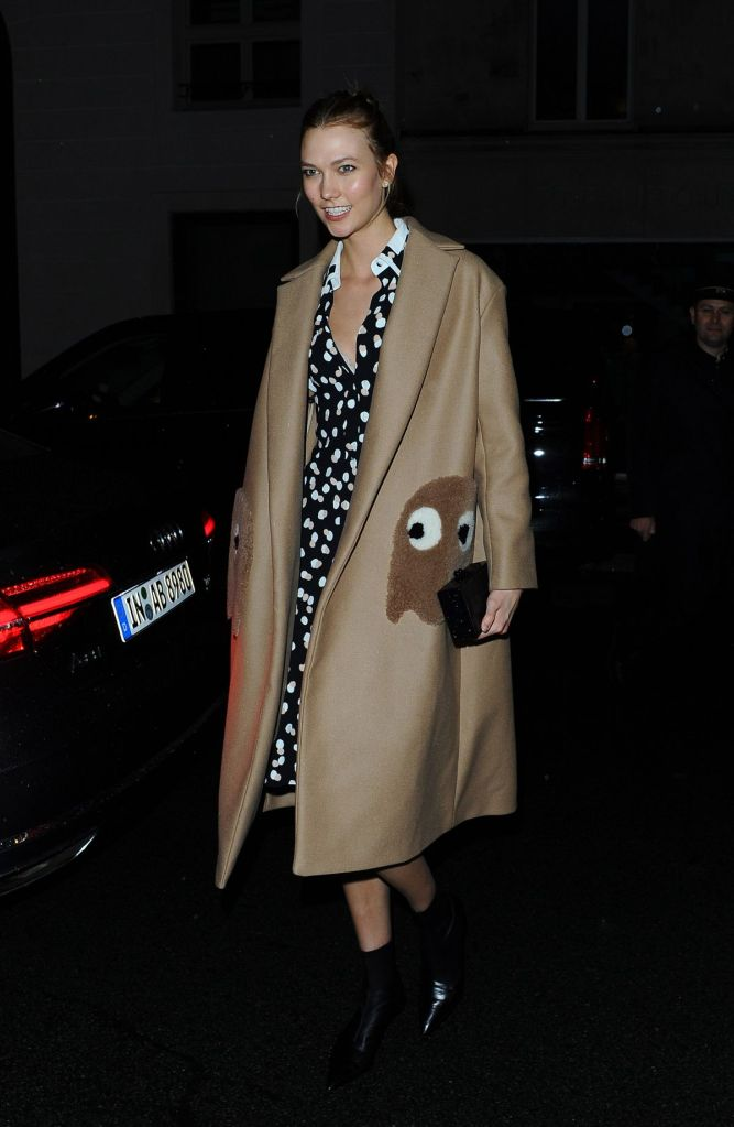 Karlie Kloss in Anya Hindmarch Fall 2016
