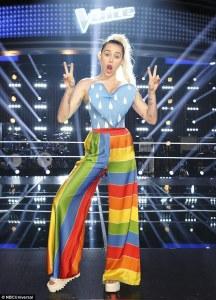 Miley Cyrus 擔任The Voice Season 11 評審 -2016.3.26-