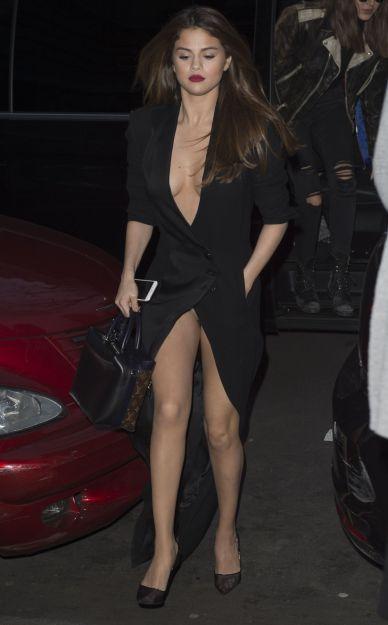 Selena Gomez in Ronald van der Kemp Spring 2016-2