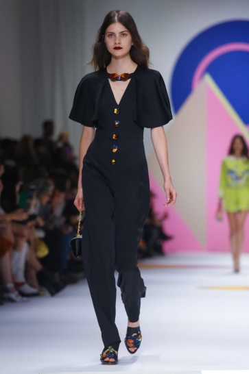 Shiatzy Chen Fashion Show, Ready to Wear Collection Spring Summer 2016 in Paris