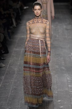 Valentino Fall 2016 Look 22