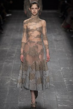 Valentino Fall 2016 Look 32