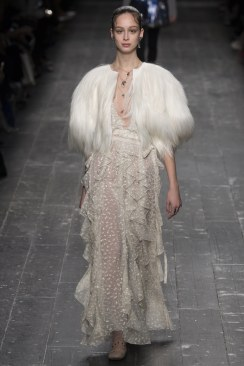 Valentino Fall 2016 Look 63