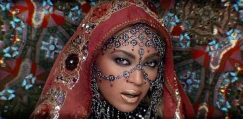 Beyonce in House Of Malakai-1
