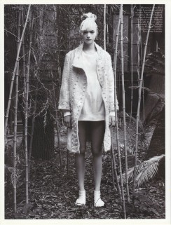 Gemma Ward & Du Juan Patrick Demarchelier Vogue Paris October 2005-5