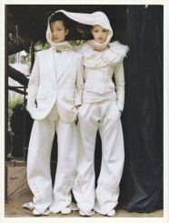 Gemma Ward & Du Juan Patrick Demarchelier Vogue Paris October 2005-8