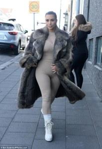 Kim Kardashian in Yeezy Fall 2015 -2016.4.19-