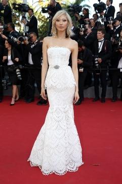 2015 Cannes Soo-Joo Park in Oscar de la Renta