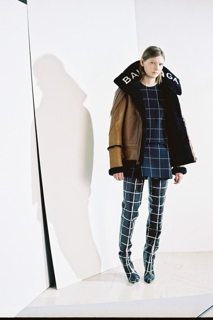 Balenciaga Pre-Fall 2016 Look 10