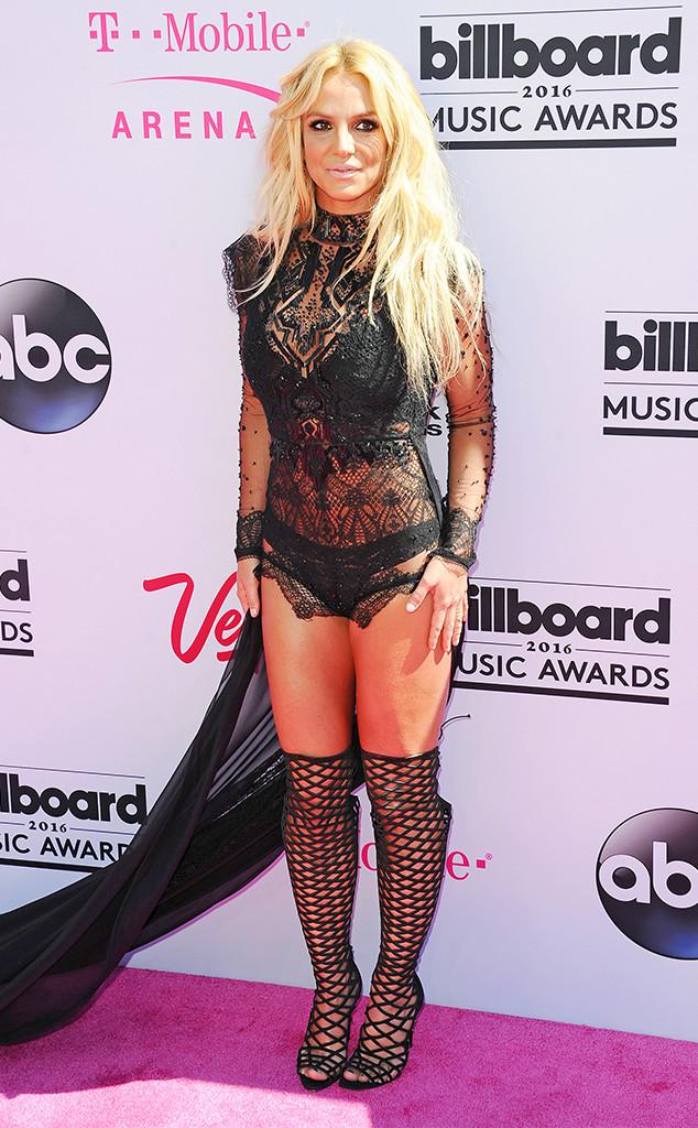 Britney Spears in Reem Acra Fall 2016