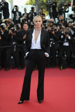Charlize Theron in Dior-1