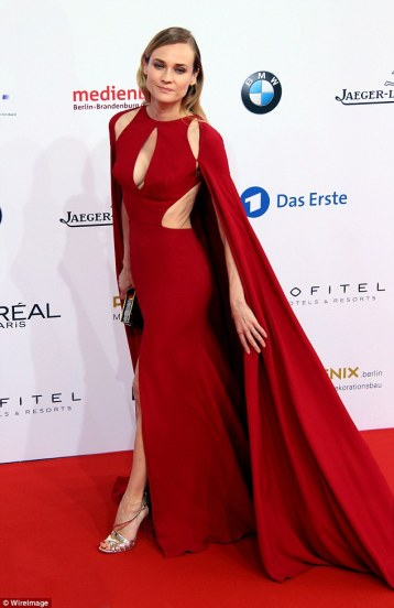 Diane Kruger in Naeem Khan Fall 2016-2