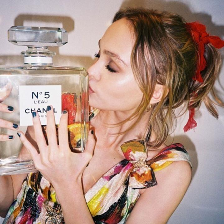 Lily-Rose Depp Chanel No 5 L'Eau
