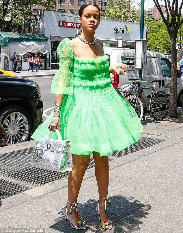 Rihanna in Molly Goddard Spring 2016-1