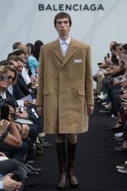 Balenciaga Spring 2017 Menswear Look 1